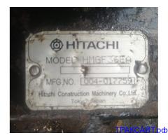 На Хитачи ZX200-1 интересует гидромотор хода.