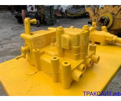 Клапан регулирующий гидравлический 195-40-00901 заднего моста Komatsu D375A